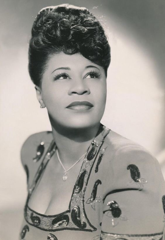 """Ella Fitzgerald   """"Someone To Watch Over Me""""  Beautiful Ballad!  Nelson Riddle Orchestra 1959  http://youtu.be/gDhF-PsDuCw #Jazz #Music #Ella #Musica #Musiquepic.twitter.com/oUAO3TK7B5"""