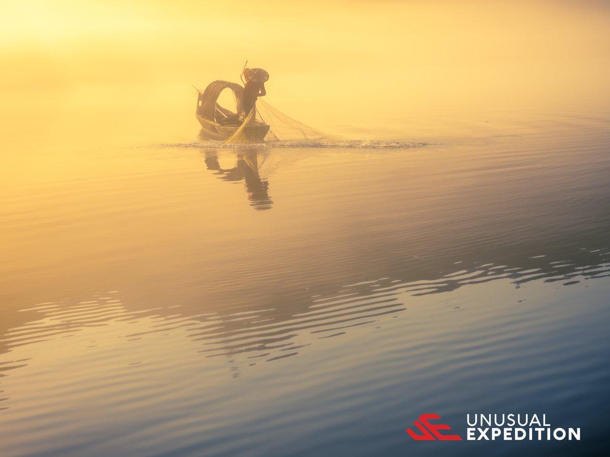 It's a beautiful day for work!   Image by #JosephMak #beautiful #photooftheday #LandscapeLovers #BeautifulLandscape #iceland #NakedPlanet #TravelTheWorld #PostcardPlaces #unusualexpeditionpic.twitter.com/X3tgh9IAiF