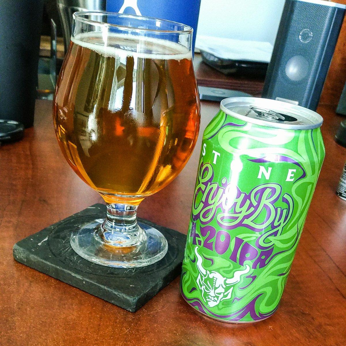 And enjoying an adult beverage.   #craftbeer pic.twitter.com/3EZfNfoQtX