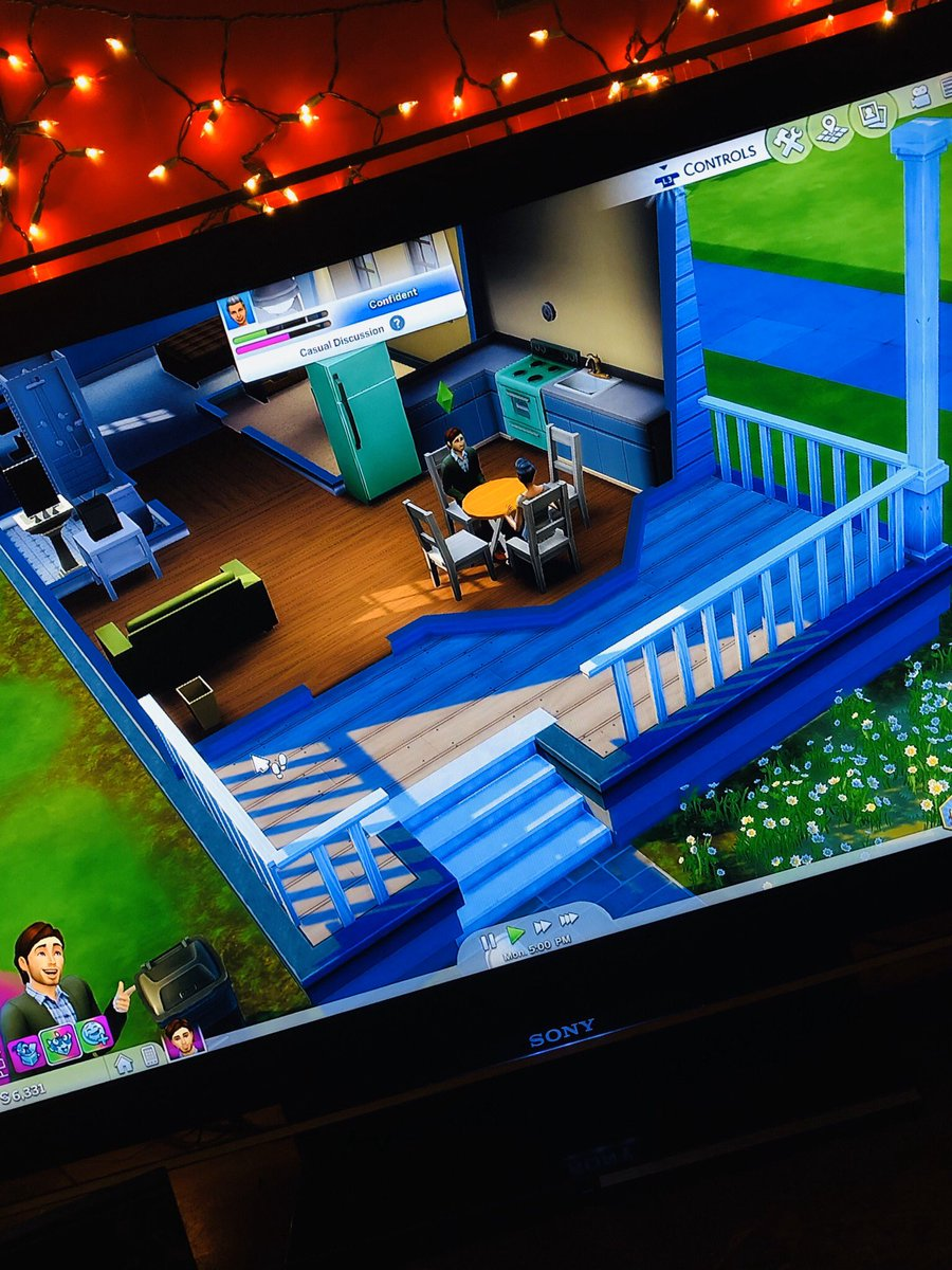 Quarantine got me living out my real estate dreams in The Sims 4  ———————————————— What're you doing with your extra time??  ————— #SinceIveBeenQuarantined #quarantinegaming #realtor #realtorlife #gaming #ps4 #Sims4 #SundayThoughtspic.twitter.com/5iqtCM7w41