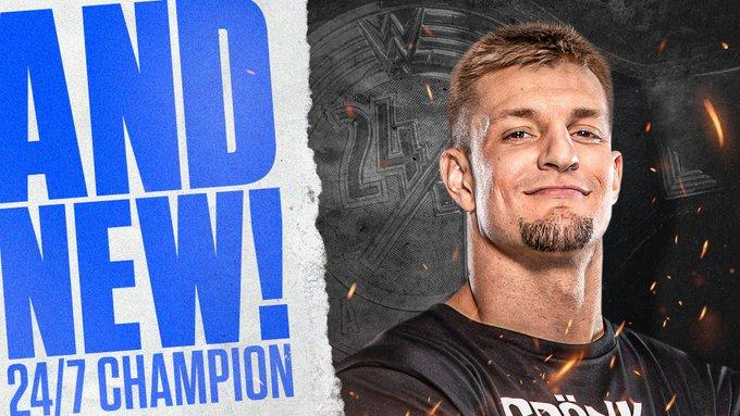 Rob Gronkowski conquista o WWE 24/7 Championship