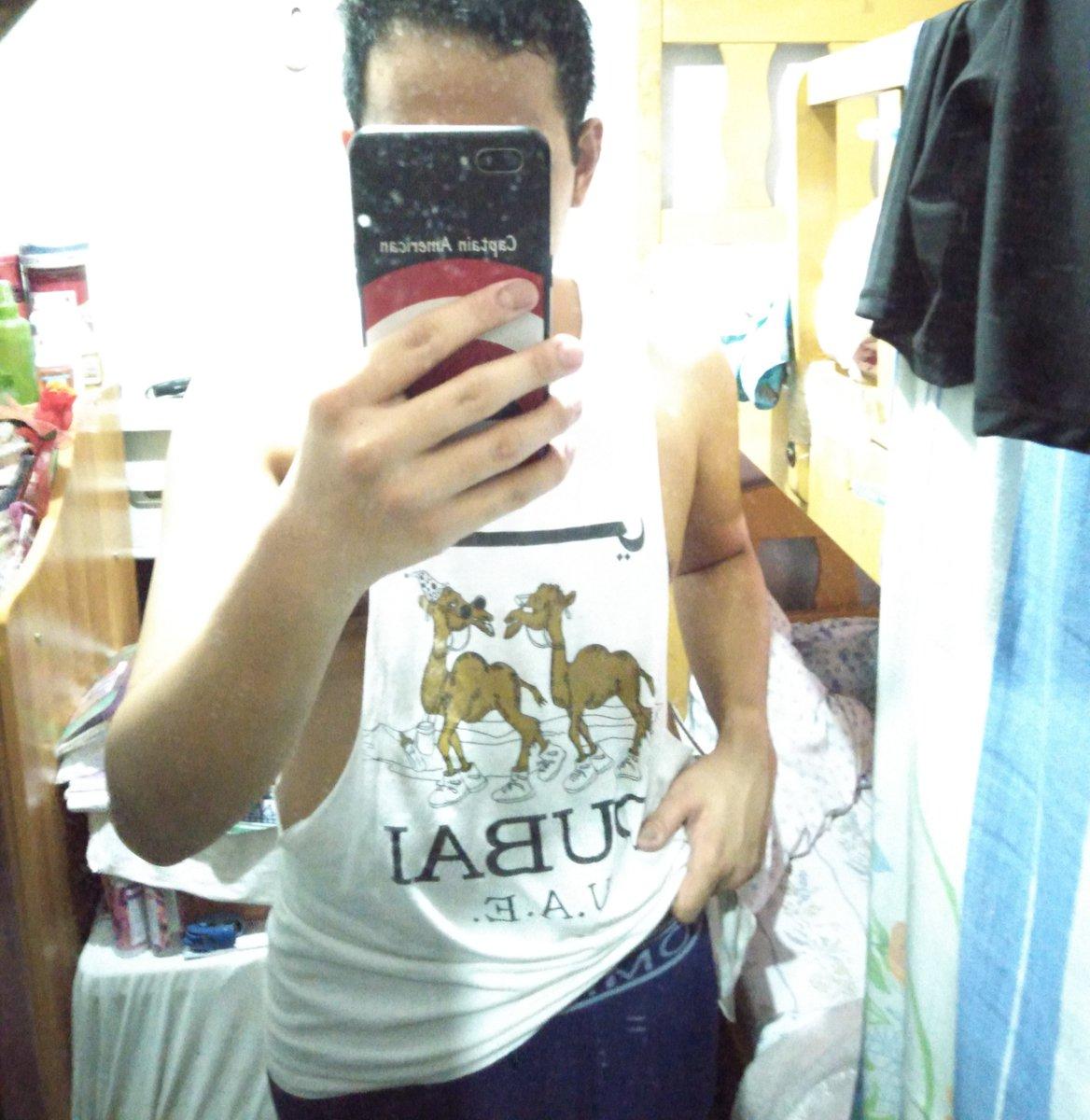 All sweat is out!    #MirrorSelfie #SweatIn #SweatOutpic.twitter.com/XkkntbovXs
