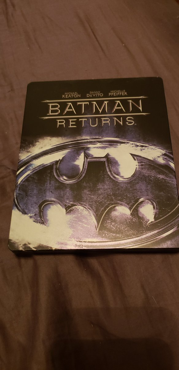 Batman  Returns time why????? Because why not it is after all the best #Batman movie ever pic.twitter.com/Q4PWOMQT7X