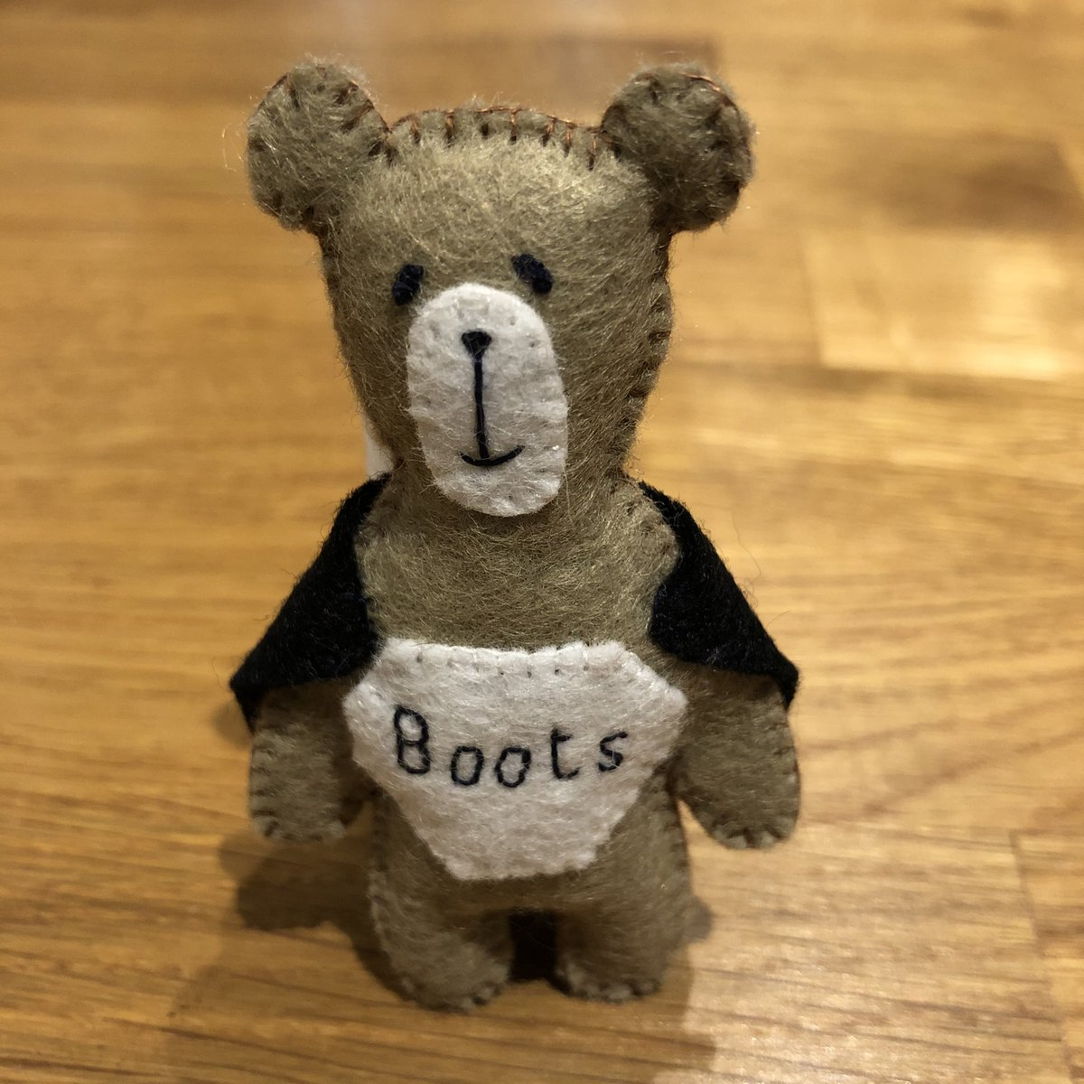 A new #pocketbear design this morning for a lady who works @BootsUK in the dispensary. #staysafe #thankyou to our new #Superheroes  pic.twitter.com/yOaOXO3Rlv