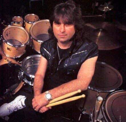 Apr 5th 1998 #CozyPowell legendary drummer who played with #Whitesnake and #BlackSabbath died in car accident. #RIP  Did you know... Powell had appeared on at least 66 albums, with contributions on many other recordings. Many rock drummers have cited him as a major influence.pic.twitter.com/Wct9eeKRXw