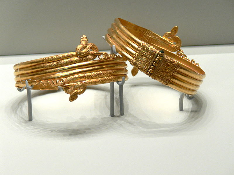Gold bracelets in the form of snakes.Hellenistic,3rd c.BC.From Alexandria,Egypt.