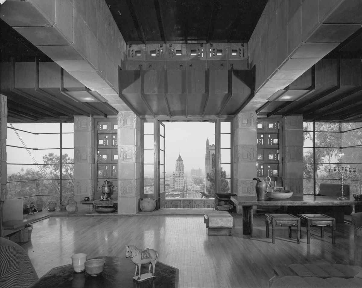 The fabulous #architecture #photography of Julius Shulman  Freeman House, by Frank Lloyd Wright Stahl House (Case Study House n°22), by Pierre Koenig Hollywood Hills  #SpecialThought @Marialovesseapic.twitter.com/DjX2JzQUcA