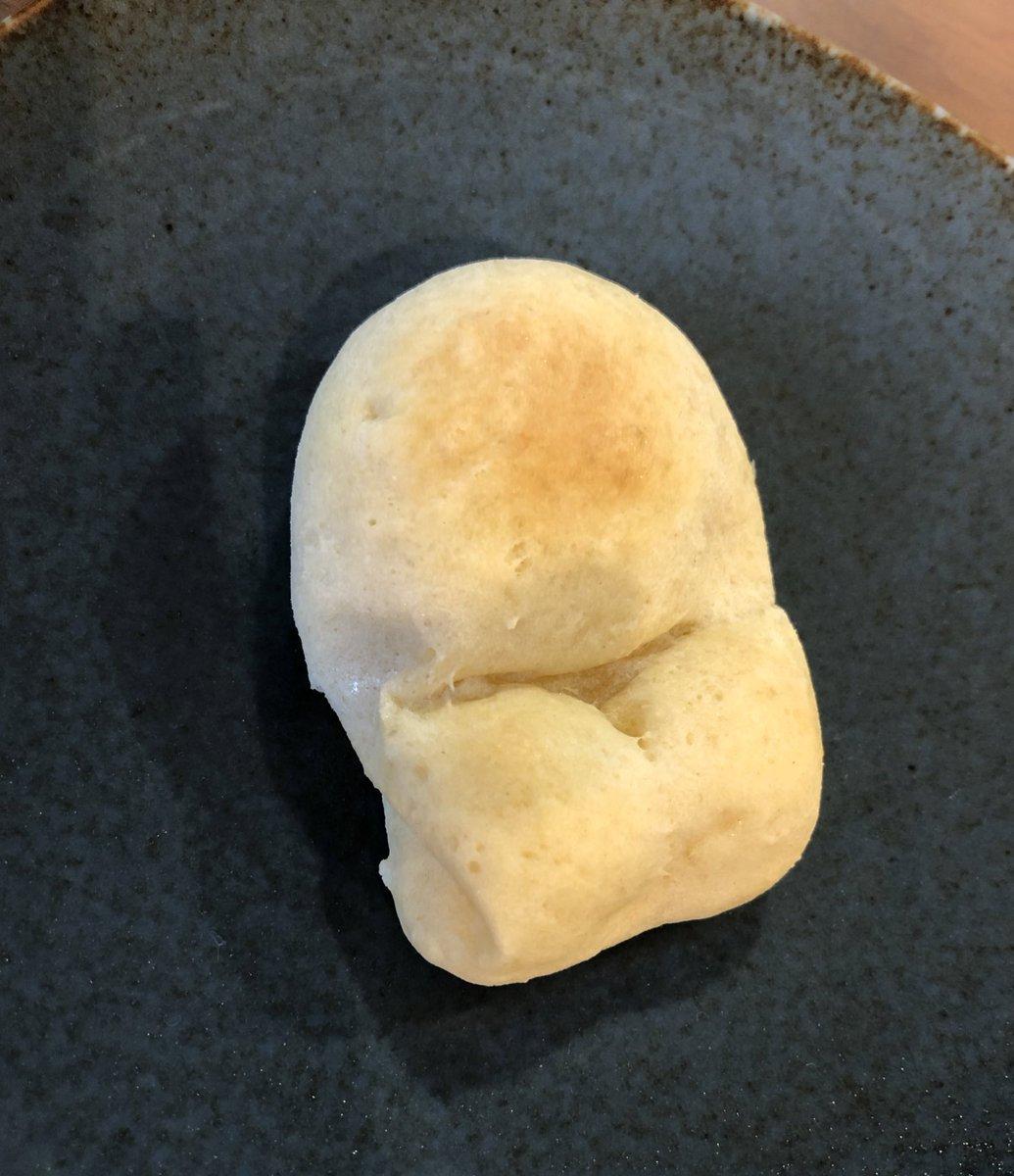 これはむすめと焼いた正座しているパン(うさぎになる予定だった)