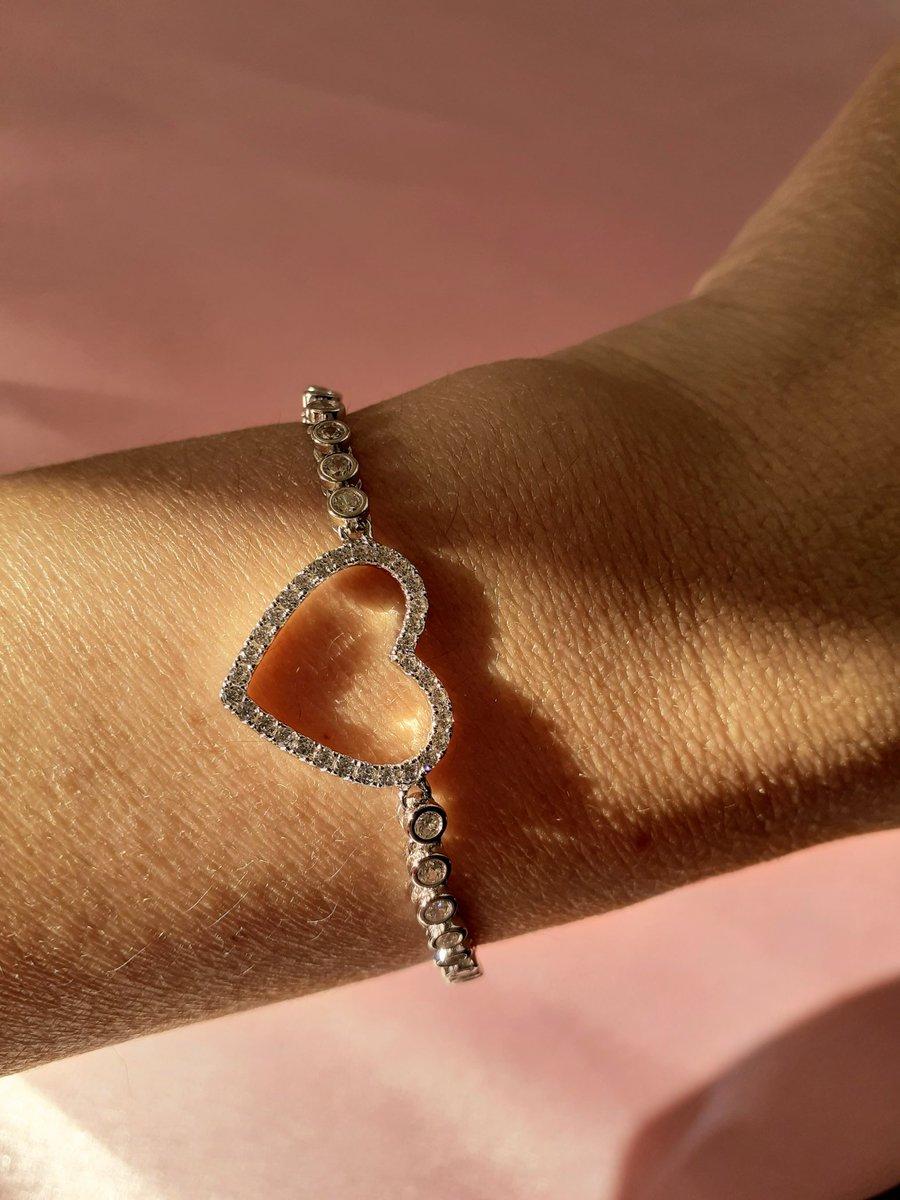 Shop our #sterlingsilver collection. #heartbracelet #silverrings https://sparklydolls.com/collections/sterling-silver…pic.twitter.com/h7PTPe5RQ7