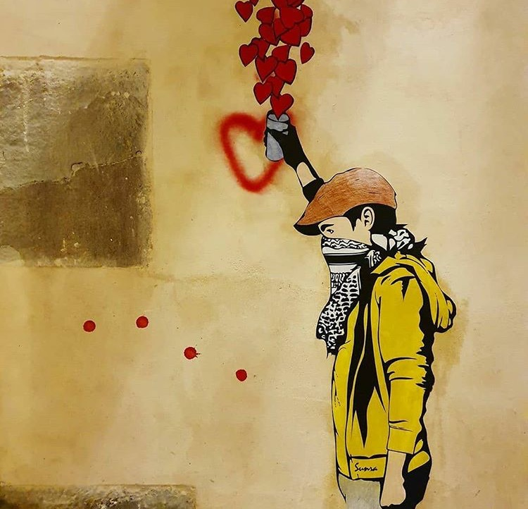 A poignant painting by the French artist Sunra in Barcelona. Stay safe. Spread love   #streetart #urbanart #art #barcelonapic.twitter.com/WuYLgleIHt