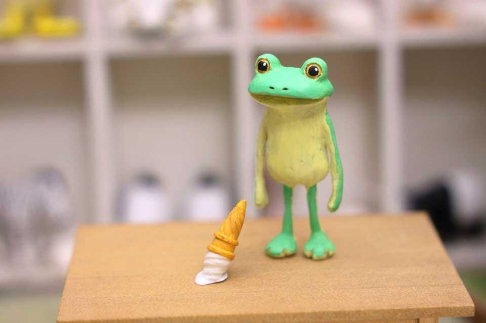 虚無顔が愛らしい……粘土で作られた「すべてがおしまいになったカエル」がかわいそうだけどかわいい -  @itm_nlabzoo