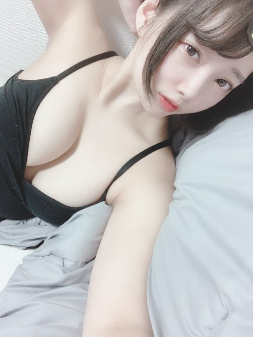 コスプレイヤーてんしちゃんのTwitter自撮りエロ画像1