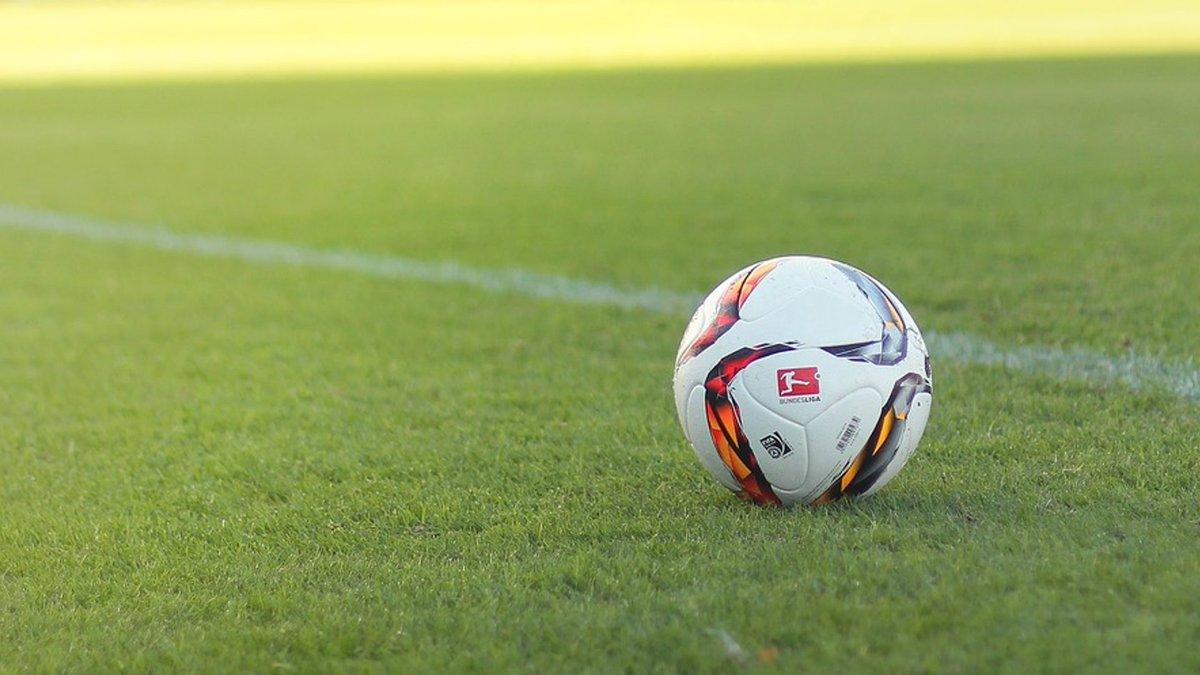 test Twitter Media - (VIDEO) Amateurvoetbalclubs FC Uden en Berghem Sport gaan onzekere tijden tegemoet door het besluit van de KNVB om een streep te zetten door de rest van het seizoen https://t.co/TXgoI0vrYE https://t.co/VbXIk7I8r2