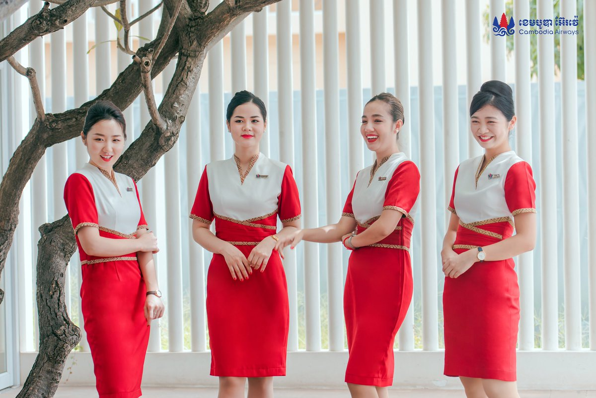 Stay strong, stay positive, keep smile and never Give up  #Cambodiaairways #Cabincrew pic.twitter.com/8qtr9KY9CK