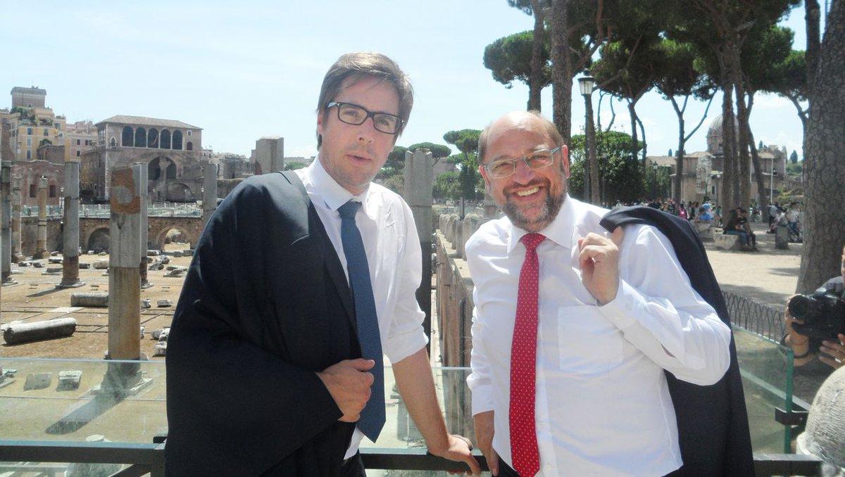 Sind Italiener und Spanier zu Recht wütend auf Deutschland? Was müssen EU und Bundesregierung tun? Und wie geht's der SPD? Ex-EU-Parlamentspräsident Martin Schulz im Gespräch mit Markus Feldenkirchen. https://t.co/SkQx1sNn8h https://t.co/2gvoi22SDR