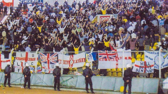 ON THIS DAY 2000: Leeds United at Galatasaray #LUFC<br>http://pic.twitter.com/ralWBigaqb