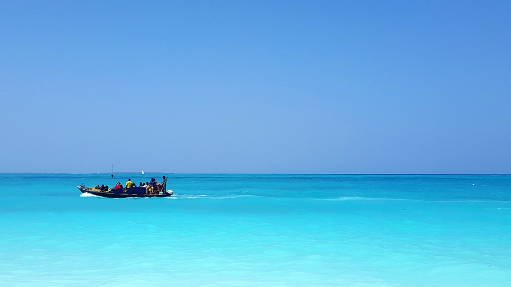 TRAVEL MEMORIES Tanzania, Zanzibar 1 gennaio 2016 . #viaggiare #viaggio #travel #viaggi #avventure #travels #viaggiaresempre #travelgo #wanderlust #viaggiatori #lifeintravel #travelstyle #viaggiarechepassione #travelling #igtravel #traveltips #bigmama #viaggiatorepic.twitter.com/bCOhoK1JaY