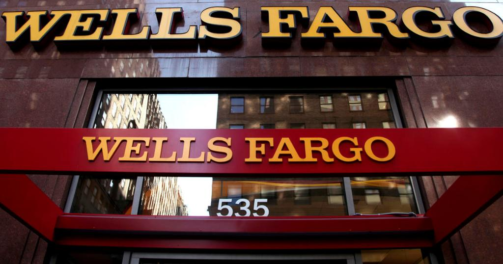 Wells Fargo stops taking applications for Paycheck Protection Program loans cbsn.ws/2V9quSn