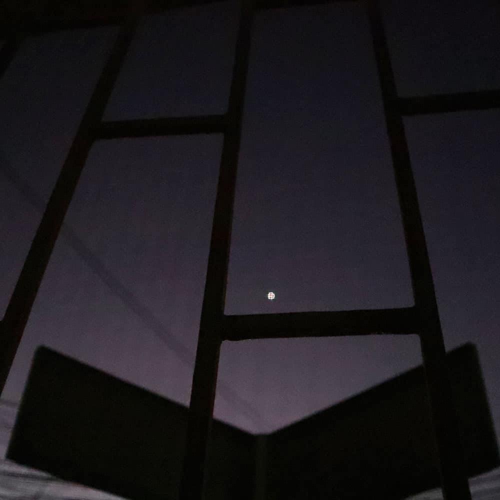 .When The Night Has Come.  #whenthenighthascome #nightshot #nightphoto #nightphotography #tinymoon #moon #nightview #moonphoto #moonphotographypic.twitter.com/0tstHlqxoh