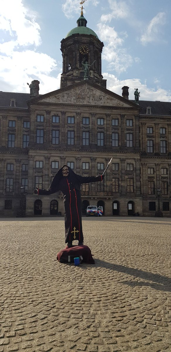 #Amsterdam now this picture says it all  pic.twitter.com/nM0YG7TaXu