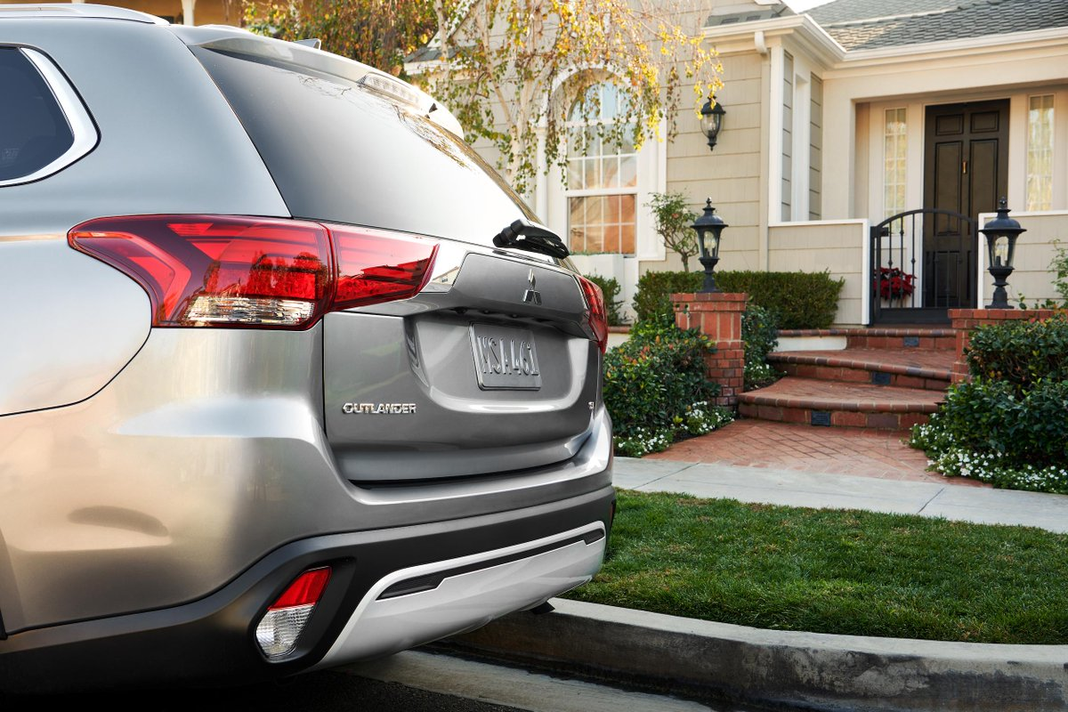 We're right outside when you're ready. #MitsubishiOutlander