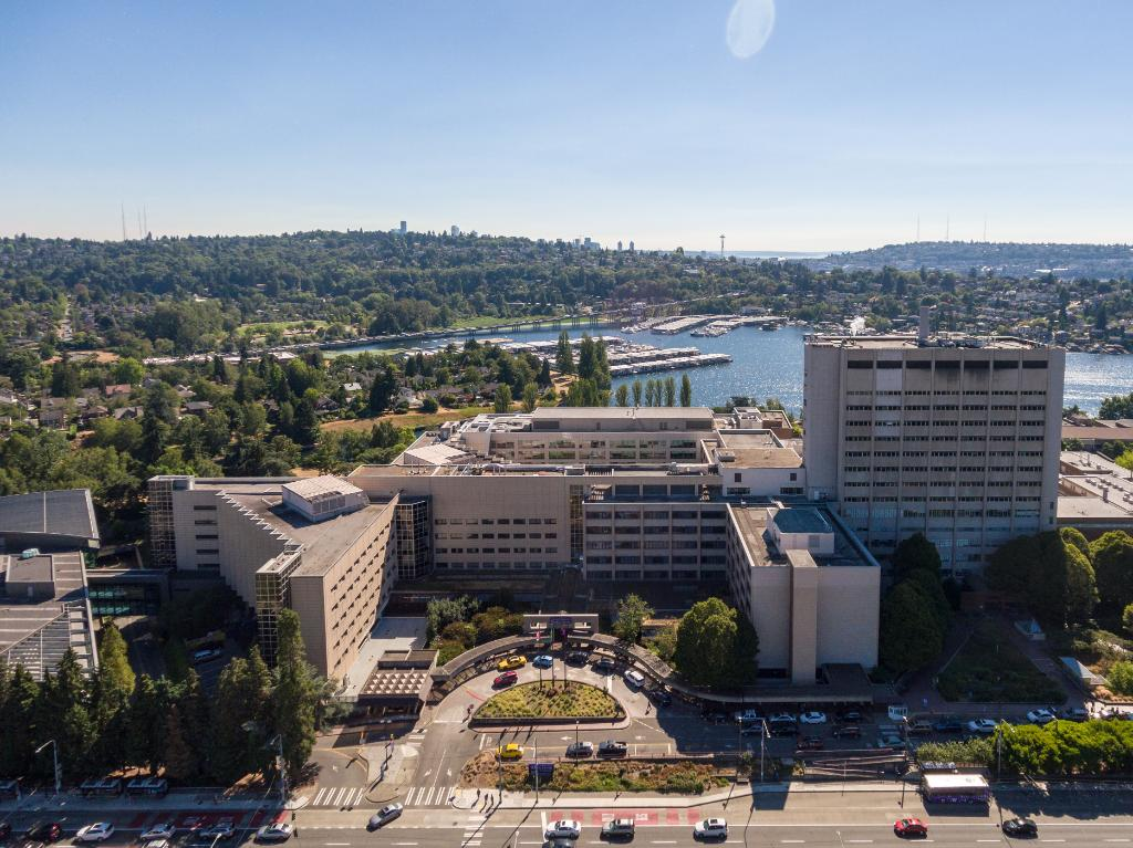 Job of the week: If you or someone you know is interested in a position at @UWMedicine, now is the time to make a difference! There are a number of positions available that are critical during our community's #COVID19 health crisis. Share or apply: hr.uw.edu/coronavirus/uw…
