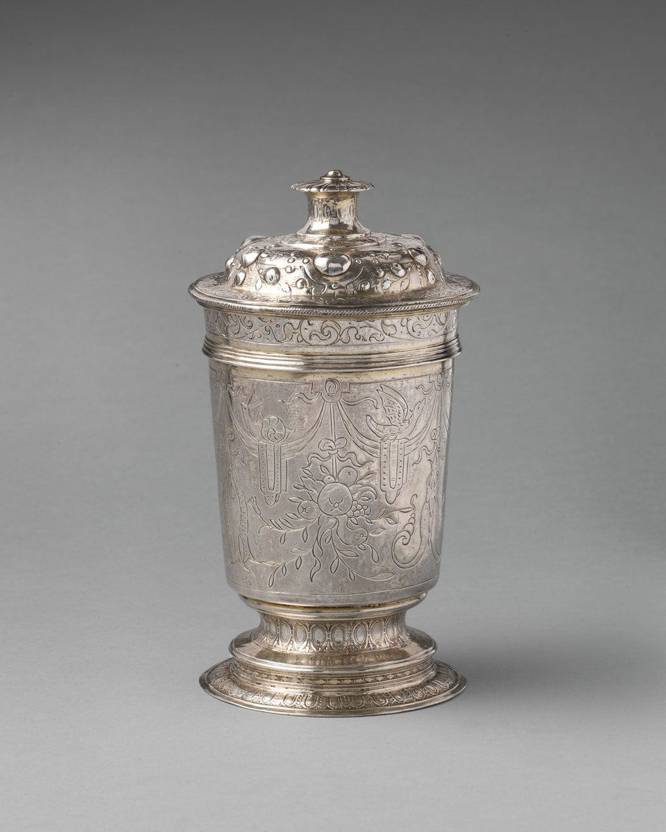 A silver cup with a cover, 1581/82, #London (Met Museum) pic.twitter.com/HyDrv0Zmvx