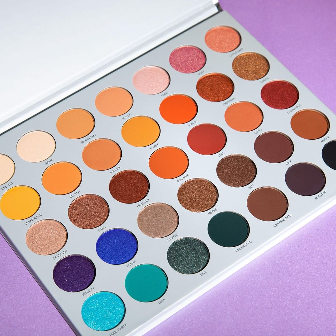 wait, just $20 for the palette that broke the internet   The 35 dreamy colors from the @Jaclynhill palette is only $20 (originally $39) for a LIMITED-TIME on http://morphe.com. Better hurry, #morphebabe #morphexjaclynhill #jaclynhill #morphe #blendtherules pic.twitter.com/betA6OQ7aw