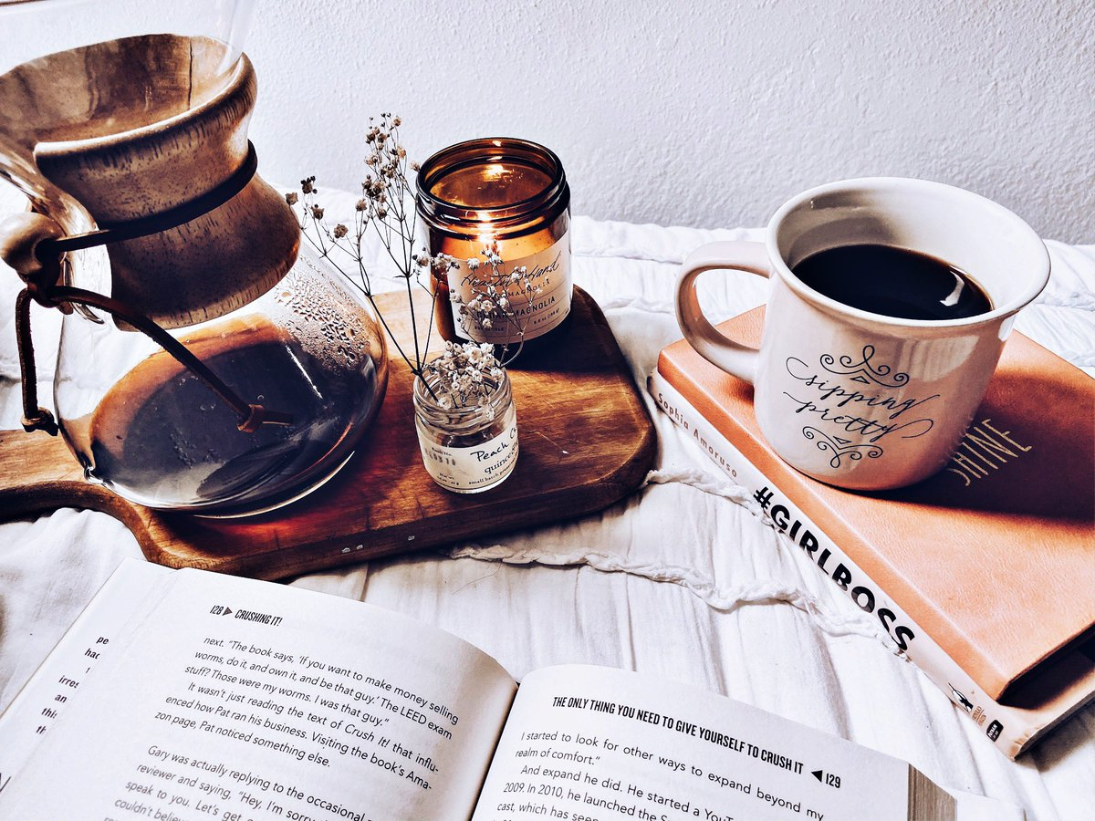 The best cafe on a rainy day is your bed.  #cozy #cozyhome #cozyvibes #mamavibescoffee #mamadrip #momlife #mamalife #boymom #socalliving #socalmom #mondaymood #vibes #rainyday #losangeles #mom #mompreneur<br>http://pic.twitter.com/vvhPyMZ15c