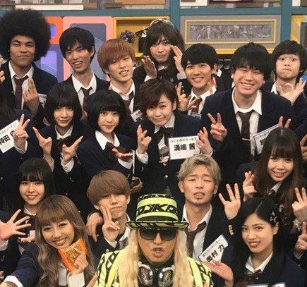 集合写真のこの辺好きよ✨ (わりと範囲広めっ!!!) #青春高校3年C組 https://t.co/NGayIF8TtC