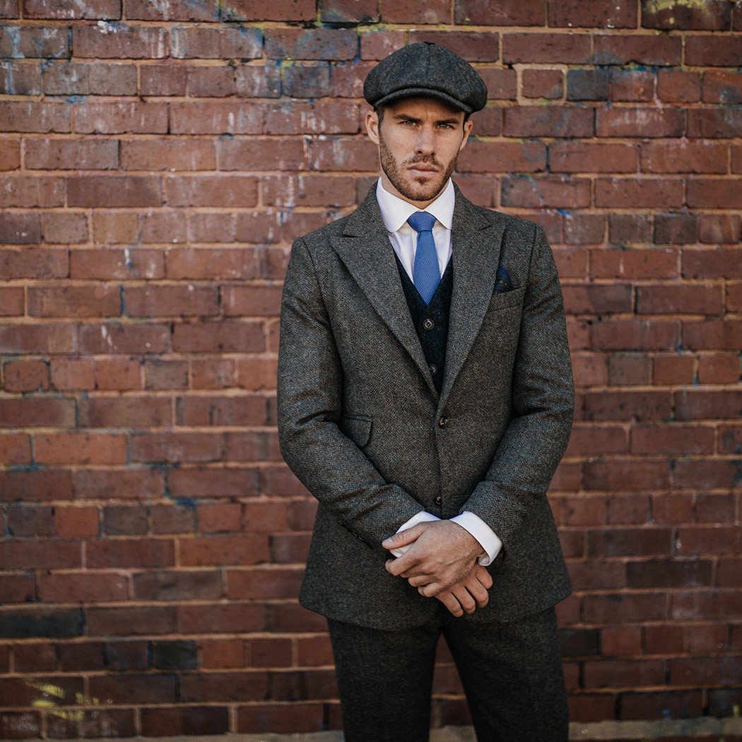 Dress like Arthur Shelby in our British Made Arthur Tweed Suit. . Buy online: http://bit.ly/2US52Px  . #garrisontailors #peakyblinders #peakyblinder #byorderofthepeakyblinder #peakyblinderscap #overcoat #menscoat #mensoutfit #mensstyle #mensfashion #arthurshelbypic.twitter.com/GNLg2HnGTp