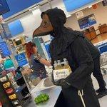 アメリカのスーパーが凄いことに!これはもう毎日がハロウィン状態!