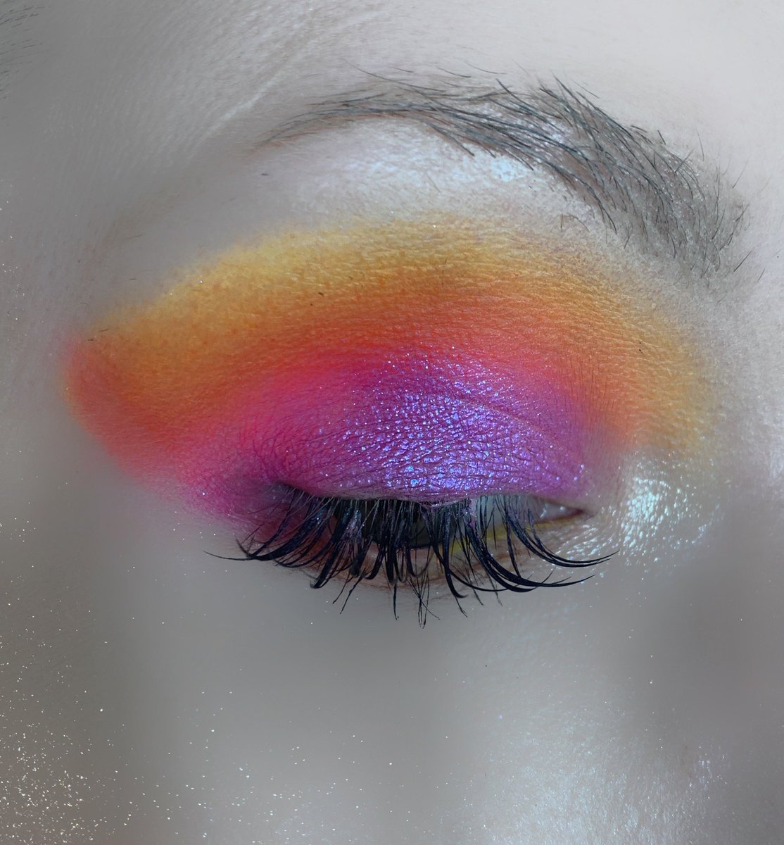 Was feeling some color this morning! #jamescharlespalette #jamescharles @jamescharles #JeffreeStarPRList! (My biggest goal) pic.twitter.com/RtvkgFt4qq
