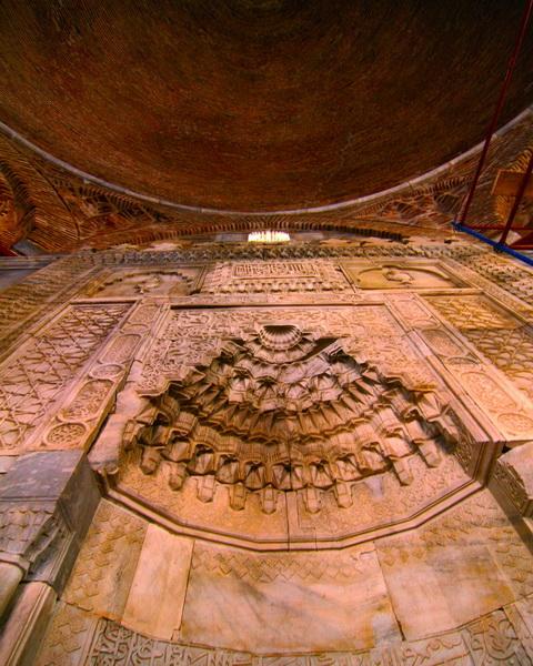 Menteşeoğulları Beyliği'nin Tacı: Balat İlyas Bey Camii. #İlyasBeyCamii #balat #didim #aydın #Turkey #milet #mihrab #photooftheday #travellerslife #welltravelled #bestplacestogo #shetravels #travelexperience #architecture_best #travelcaptures #cityphotography #instaeuropepic.twitter.com/WqXjSeolU5