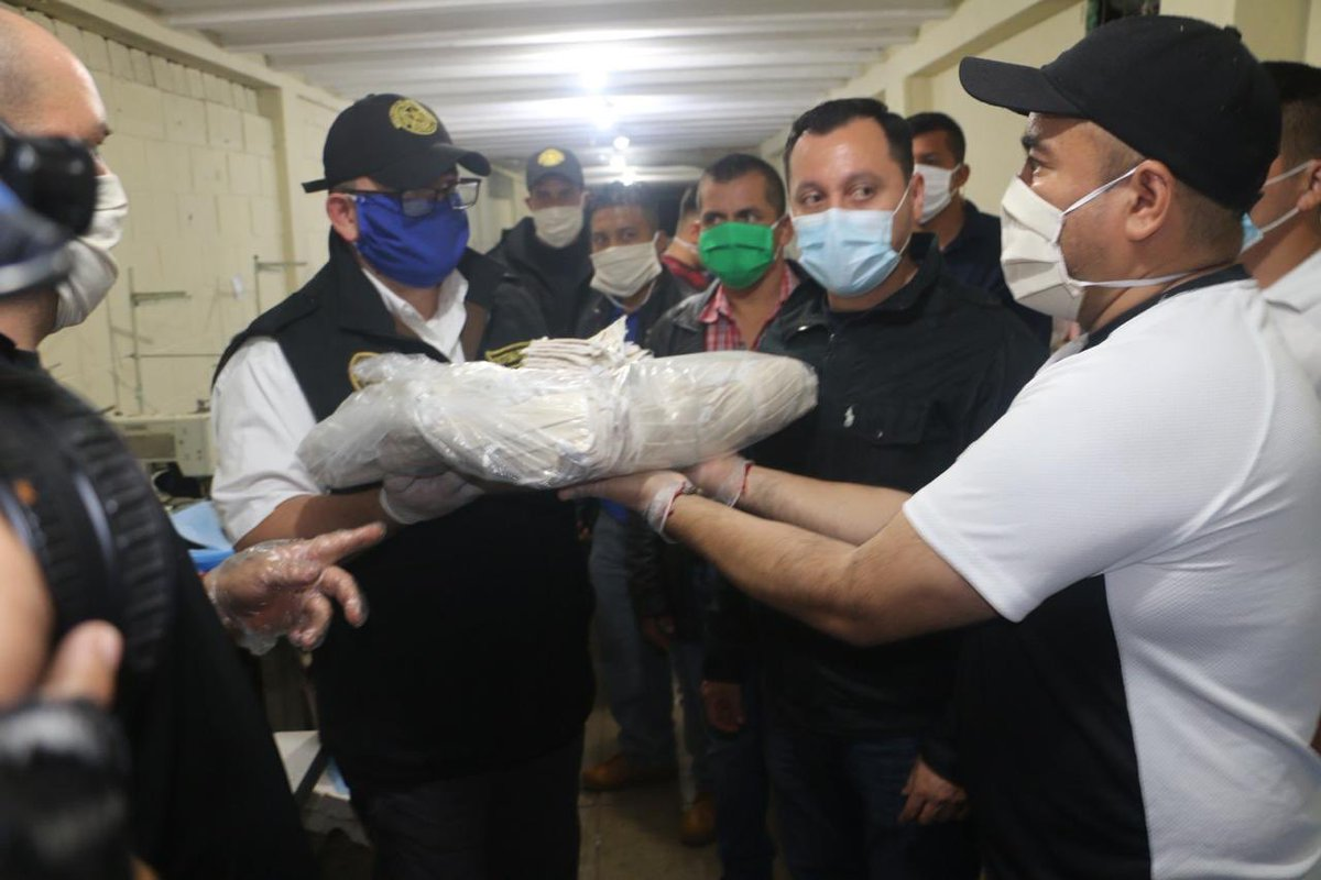 test Twitter Media - El @mingobguate informa que privados de libertad donaron 10 mil mascarillas para evitar el contagio de COVID-19. https://t.co/hAWDCMLhPl