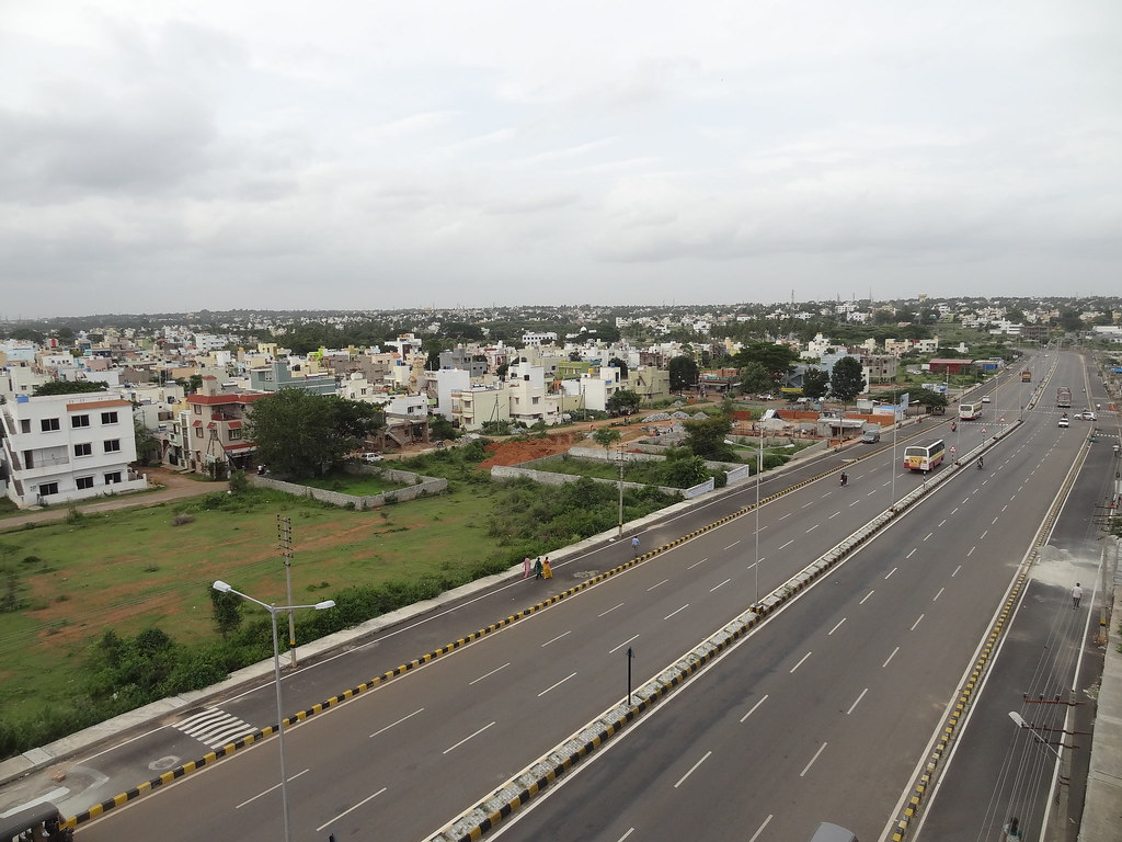 #Mysuru #Mysore Outer ring road at Datagalli during its heydays in 2015.   With the 160cr worth redevelopment plan of Outer ring road initiated by our MP @mepratap , Mysuru Outer ring road will soon regain its glory. pic.twitter.com/JtY4DWFbaW