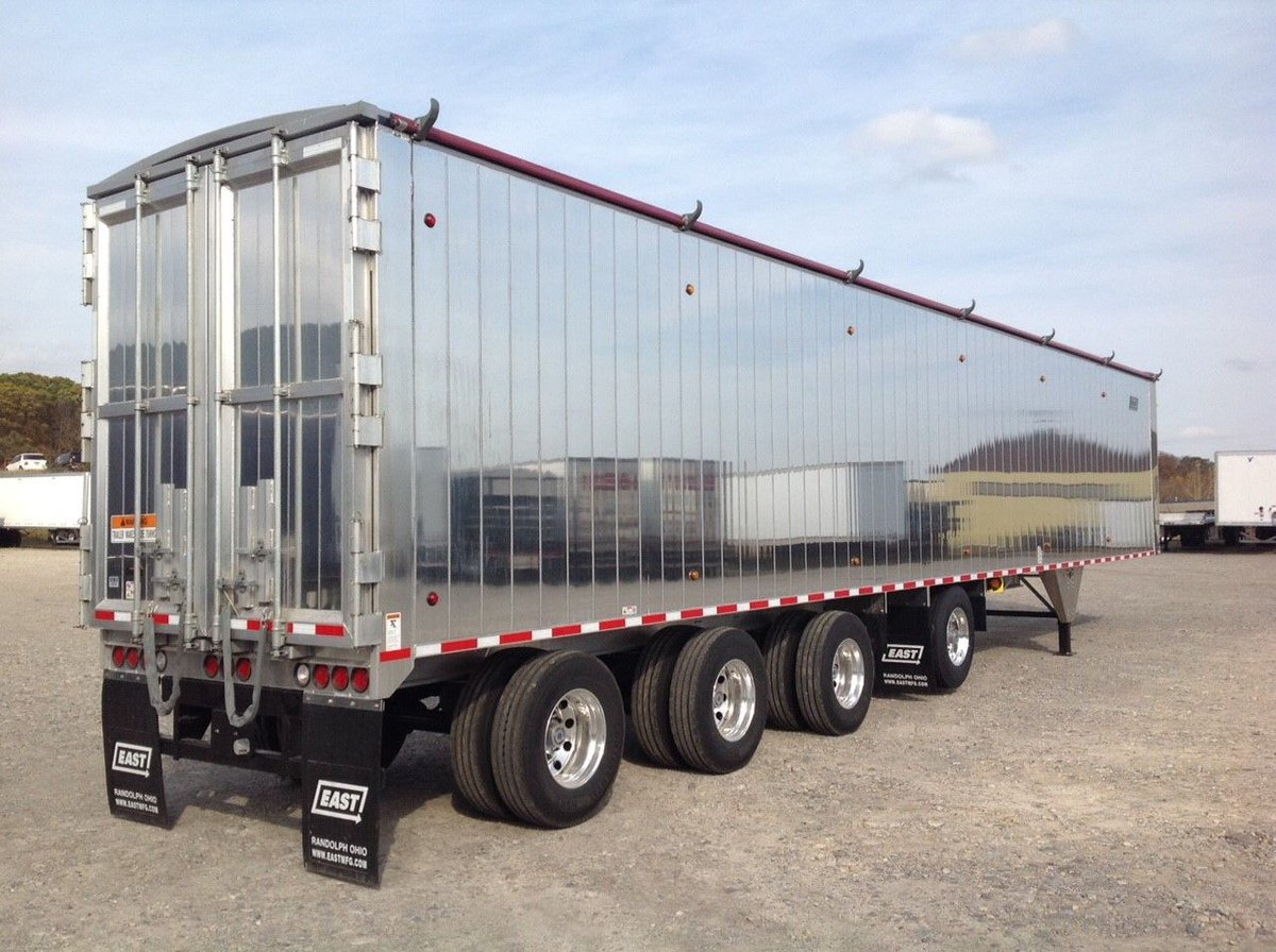 http://www.TruckandTrailer.ca FEATURE #TRAILER. A 2020 #EAST Walking-Floor Trailer Available NOW at TRANSIT TRAILER LTD. ... Link here; https://buff.ly/2ETOGRopic.twitter.com/8rZ177HwpX