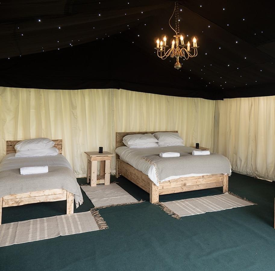 Do you fancy a night under the stars?   Our Starlight Safari Tents are really one of a kind.  We can't wait to welcome you all to our luxury glamping retreat at @bhorsetrials 5 – 9 May 2021.   Visit our website to find out more http://www.badmintonretreat.co.uk pic.twitter.com/wExQWgelCs