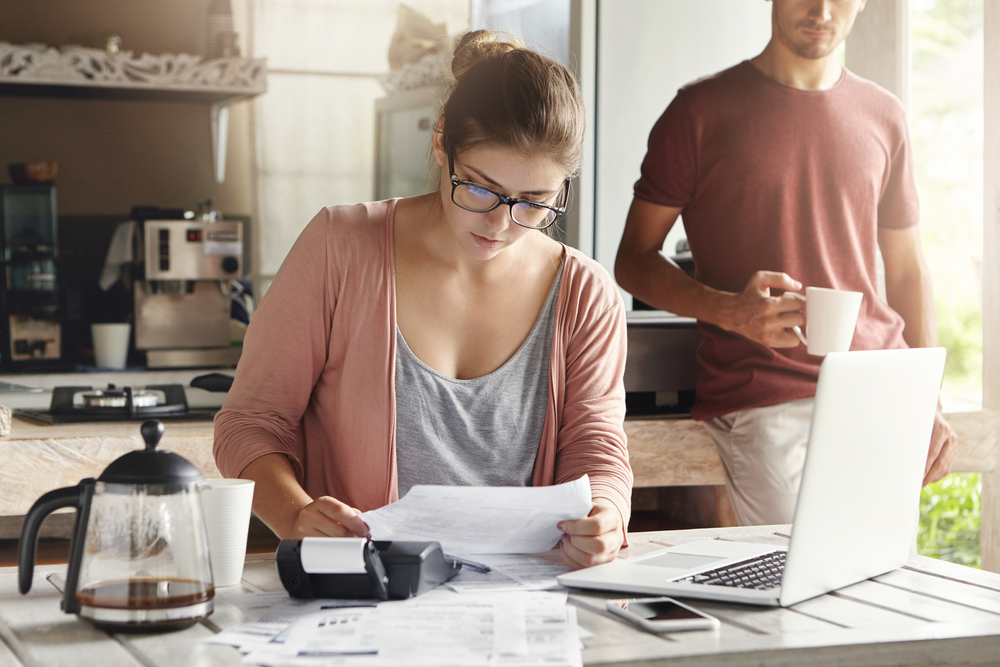 Let's focus on staying on top of the situation.   The current pandemic affects all of us, but these #budgetingtips can take you one step closer to paying your bills or, even better, #financialsuccess.   Check them out below: https://www.thechronicleherald.ca/business/perspectives-on-business/how-to-deal-with-your-finances-during-a-covid-19-crisis-you-cant-control-428180/ …  #personalfinancepic.twitter.com/sqm9YkaGz9