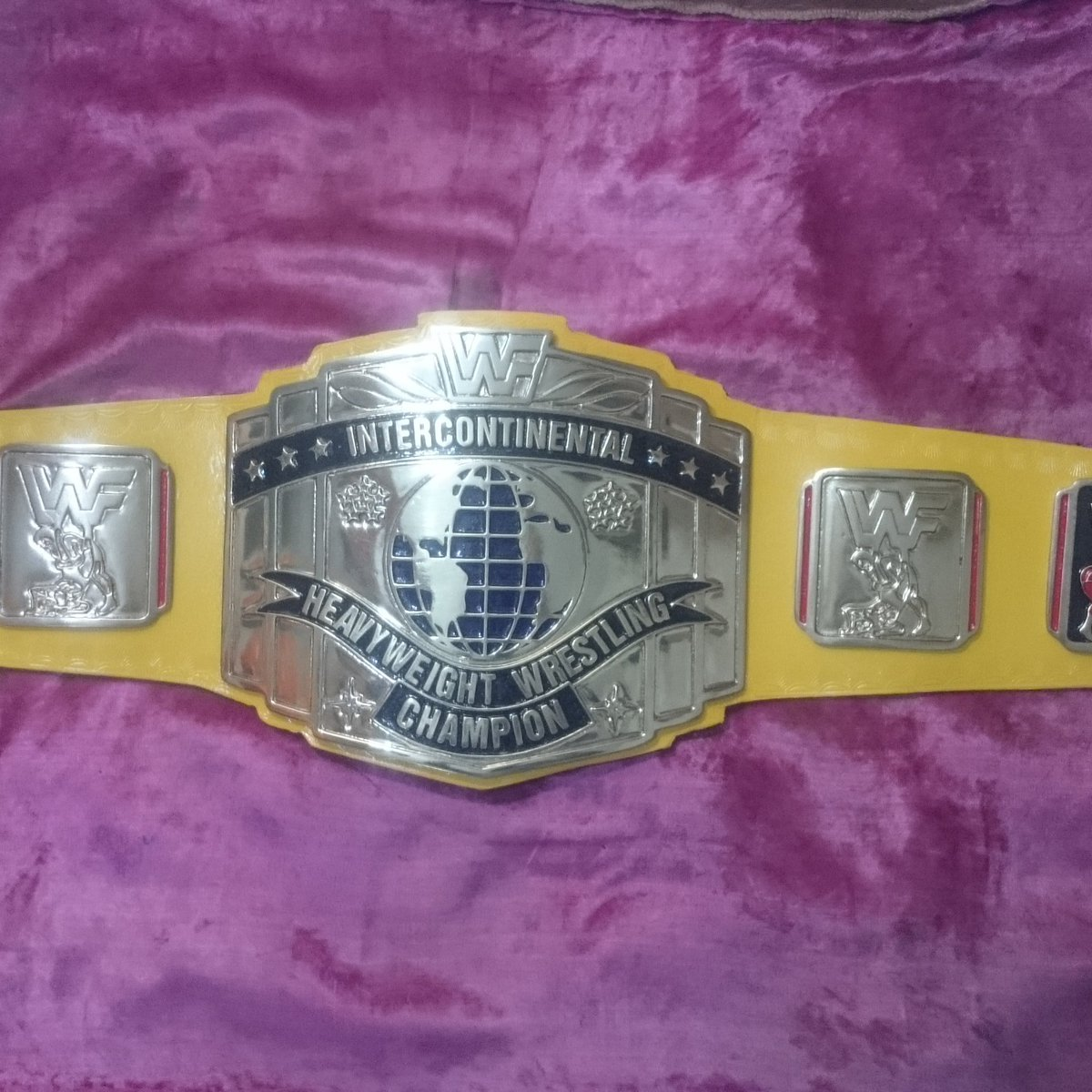 #WWF #Intercontinental #heavyweight #wrestling #championship #Title #belt for #sale  #4mmzinc #goldplated #Collectibles #oldschool For more details and picture dm us.pic.twitter.com/uQX1NtDP1J