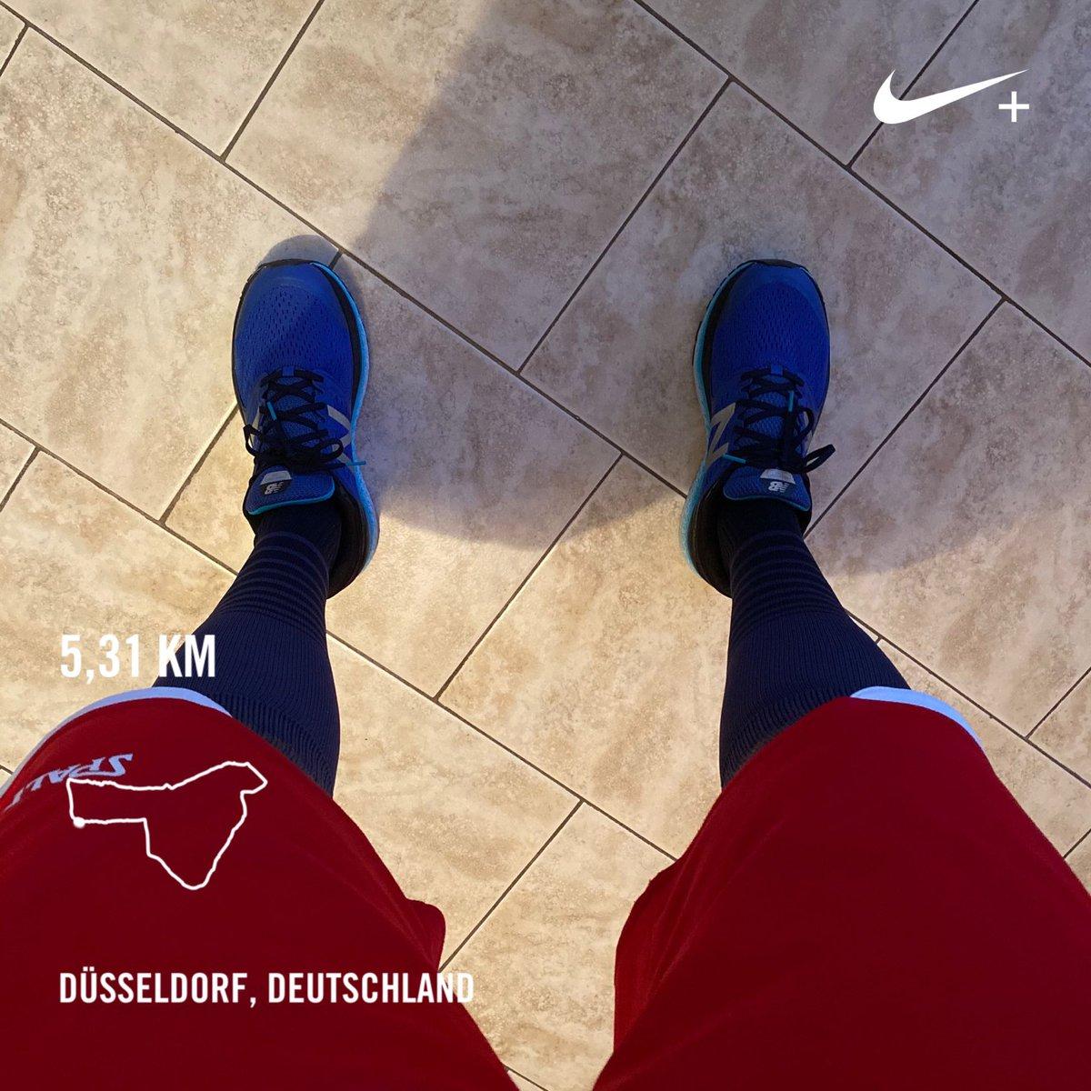 Eine schnelle Runde gedreht #runtraining #running #triathlontraining #triathlon #nevergiveup #laufliebe #garmin #comments #training #sport #run #mizuno #followme #триатлон #triathlete #thewaytocolognetria2018 #runningman #nonstop #likes #fitness #triforlife #tri #swimbikerunpic.twitter.com/ubj4qWImIU