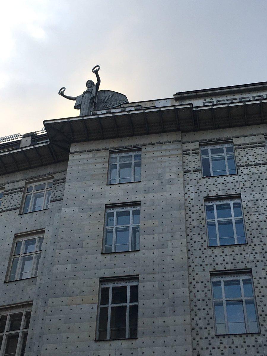 #vienna is one of the best #artnouveau destinationspic.twitter.com/FsvRSIv4Jw