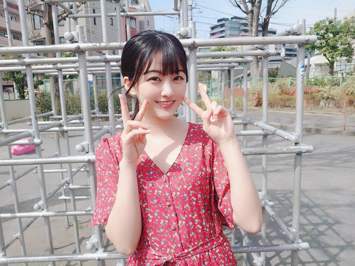 現在発売中の #BUBKA 5月号から #欅坂46 #原田葵 さんのオフショットをお届け!!誌面では大人っぽい原田さんですが、オフショットを撮ろうとするとお茶目な表情をたくさん見せてくれました!!誌面と合わせてそのギャップをお楽しみください!!