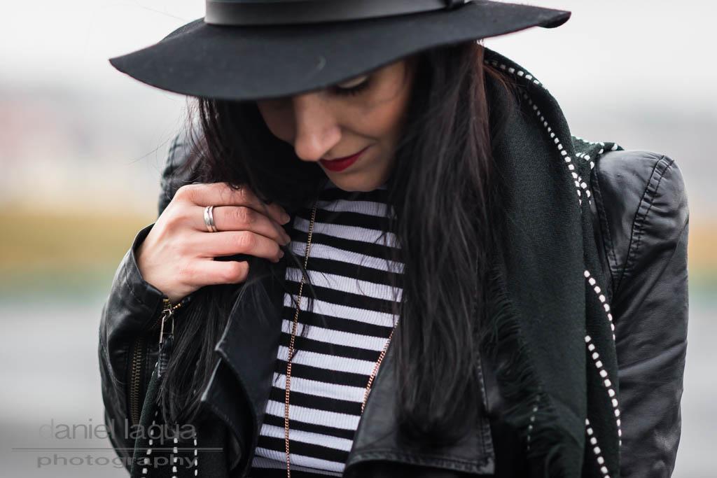 Meine sichere Bank : Die Kombination aus Schwarz und Weiß https://cmun.it/u2mmxyjr [Anzeige] #fashion #fashionblogger #ootd #style #outfit #styling #blogger #PetiteFashion #Modetrend #Trend #mode #lookbook #fashiontrend #juliesdresscode #throwback2016pic.twitter.com/3J6qgkS2Zo