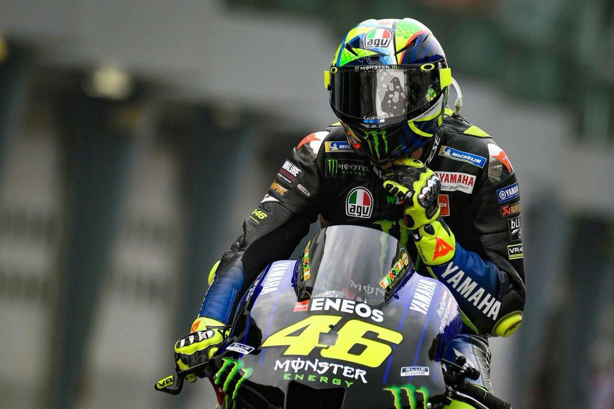 Неприятная новость для Валентино Росси: его не ждут в Petronas Yamaha MotoGP pic.twitter.com/88Jgg8KWwQ