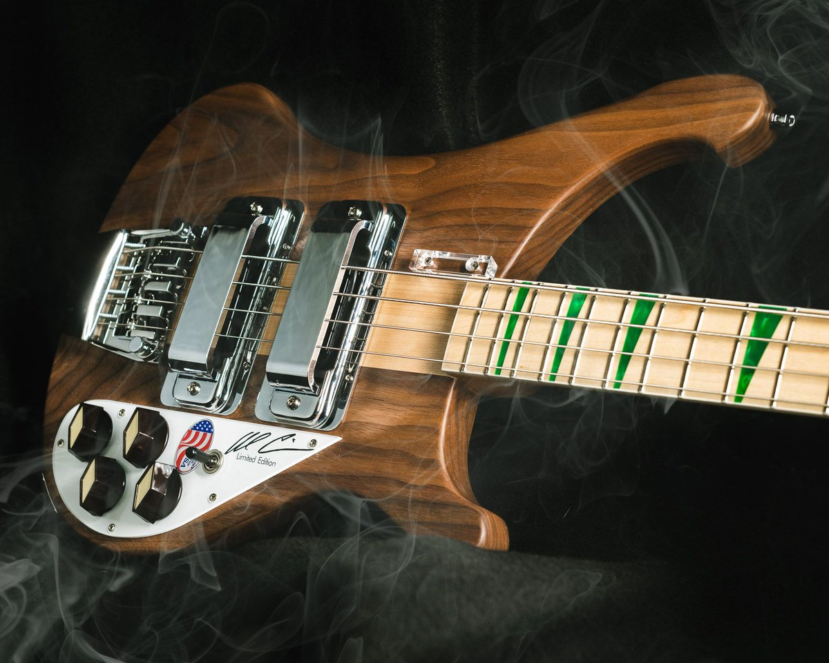 Who else is using all this time to catch up on their Sleep? Well rejoice, weedians, do we have a @RickenbackerInt for you! https://buff.ly/3dXfyQh #thebassment #rickenbacker #4003AC #alcisneros #signature #limitededition #sleep #om #basstalk #bassplayer #tonemob #knowyourtonepic.twitter.com/JaDCqzeuVj