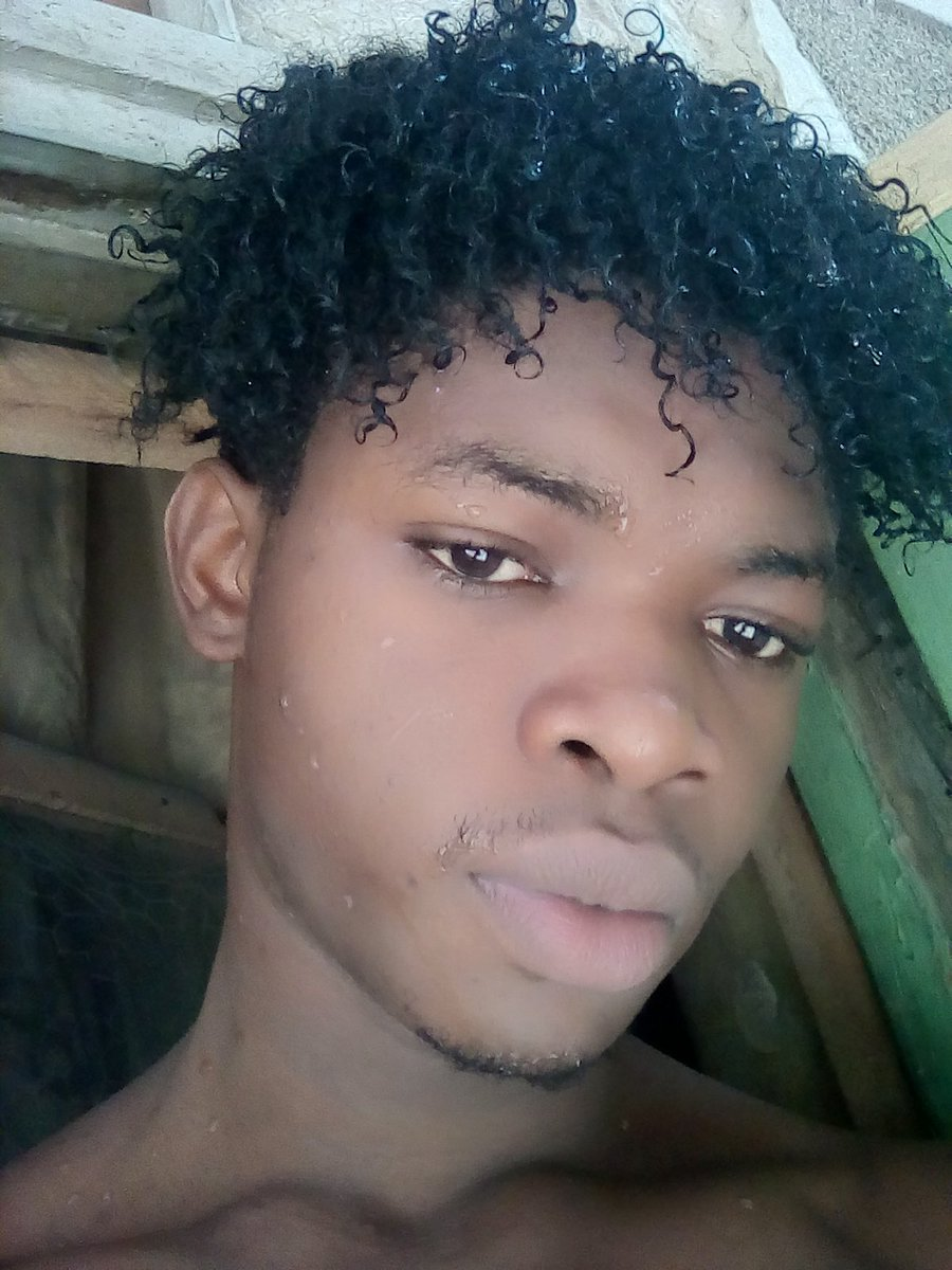 Same old me #modellook #nigeriamodels #modeling pic.twitter.com/BgtXkE4Cp6