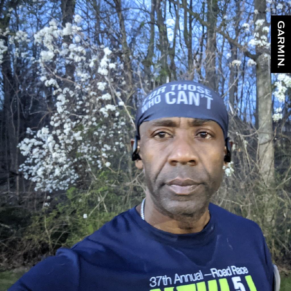 Make up miles for missing yesterday's run #15.23miles #MakeItCount #garmin #beatyesterdaypic.twitter.com/0f6R1BFisg