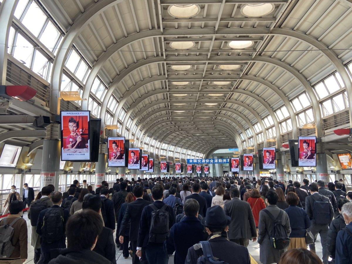 緊急事態宣言が出される見込みの7日朝の品川駅