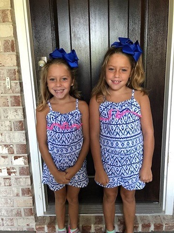 """URGENT: Amber alert issued for twin girls from Kentucky  - Believed to be in danger  - May be en route to South Carolina  - Abductor is self-described """"sovereign citizen"""" who is armed & has mental illness   **PLEASE SHARE!**  https://breaking911.com/amber-alert-issued-for-twin-girls-from-kentucky-believed-to-be-in-danger-may-be-en-route-to-south-carolina/…"""